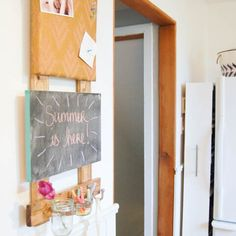 Make your own DIY Kitchen Command Center! Click this pin for the full tutorial Command Center Kitchen, Family Command Center, Diy Cleaning Products, Cleaning Hacks, Cleaning Recipes, Weekend Projects, Projects To Try, Receipt Organization, Kitchen Organization
