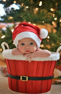 Pose-baby in Santa hat-Everyone's collection: Christmas Celebrations
