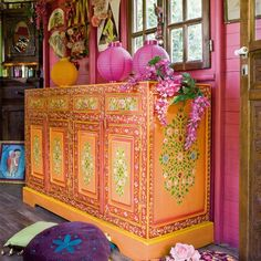 Bohemian Glamor... I only dream this colorfully... I may have to say adieu to boring and predictable Greige...