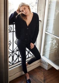 """fashiion-gone-rouge:  """"Camille Rowe  """""""