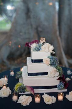 Emma & Josh photography #kingshawaiian #paradisecake #dobash #la #losangeles #torrance #california #cake #love #wedding
