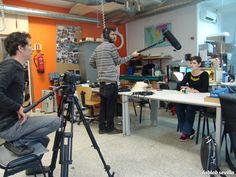 Grabación en el fablab de un documental sobre el colectivo EXANDOUNAMANO.