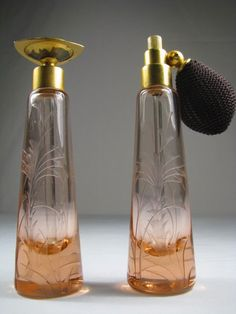 DeVILBISS PINK ETCHED GLASS PERFUME BOTTLE SET