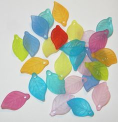 20 Pcs Frosted Matte Lucite Leaf Beads 18 x 11 mm by jcraft4you