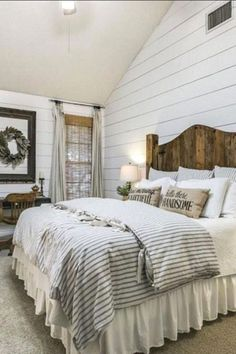 Most Beautiful Rustic Bedroom Design Ideas. You couldn't decide which one to choose between rustic bedroom designs? Are you looking for a stylish rustic bedroom design. We have put together the best rustic bedroom designs for you. Find your dream bedroom. Farm Bedroom, Modern Farmhouse Bedroom, Home Decor Bedroom, Modern Bedroom, Rustic Farmhouse, Farmhouse Design, Cottage Farmhouse, Bedroom Rustic, Farmhouse Ideas
