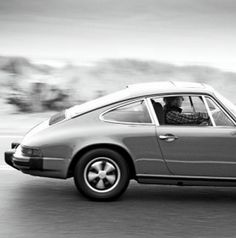 #ThrowbackThursday brings you the Porsche 911. Hit the link to enter @eBay's competition to win big... http://www.ebay.com/motors/garage?roken2=ta.p3hwzkq71.bdream-cars