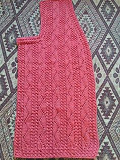 This post was discovered by iğne oyacı tel kırmacı. Discover (and save!) your own Posts on Unirazi. Baby Knitting Patterns, Lace Knitting, Knitting Stitches, Knitting Designs, Knitting Socks, Easy Knit Baby Blanket, Knit Vest Pattern, Diy Scarf, Baby Vest