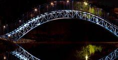 """Belysning på Konstverket Konkret Transcendens (""""Blå bron"""")"""