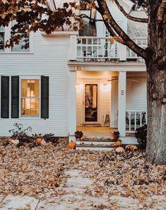 Photo Trop Belle, Autumn Cozy, Autumn Aesthetic, Up House, Best Seasons, House Goals, Fall Home Decor, Holiday Decor, Autumn Inspiration