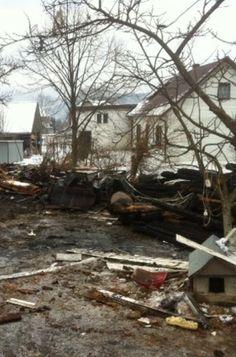 """Trzy osoby ucierpiały, budynek spłonął doszczętnie. """"Mieszkańcy stracili dach nad głową"""". http://kontakt24.tvn24.pl/najnowsze/trzy-osoby-ucierpialy-budynek-splonal-doszczetnie-mieszkancy-stracili-dach-nad-glowa,191681.html"""