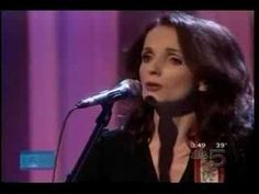 Patty Griffin performing No Bad News on Ellen!