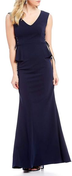 Side Lace Peplum Gown #crepe#knit#necklinesleevelesslace
