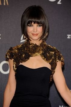 Katie Holmes Short Bob Haircut. This chic is hot, lol. looooooove the eye makeup!