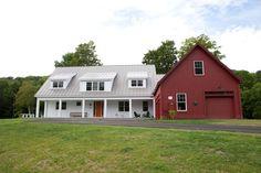 Yankee Barn Homes Farmhouse