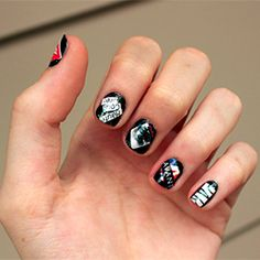 ooh la la! Fashion Victim nails. Are you a fashion victim? full tutorial here! great way to recycle old magazines.