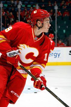 Matthew Tkachuk of the Calgary Flames skates in the warmup before an NHL game against the St Louis Blues on October 22 2016 at the Scotiabank. Hockey Girls, Hockey Mom, Hockey Stuff, Ice Hockey Teams, Hockey Players, Calgary, Patrick Kane Hockey, Quotes Girlfriend, Hockey Pictures