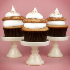 snickerdoodle cupcakes. yum!