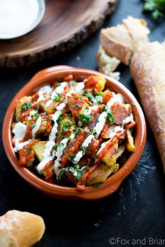 These patatas bravas are crispy even though they are baked not fried! Topped with a delicious smoky salsa brava and garlic aioli, this patatas bravas recipe is totally addictive! Tapas Recipes, Mexican Food Recipes, Appetizer Recipes, Vegetarian Recipes, Cooking Recipes, Ethnic Recipes, Appetizers, Spanish Food Recipes, Spanish Dishes