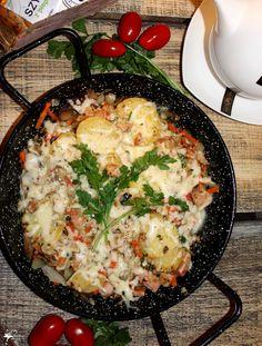 Warzywa z szynką pod warstwą sera   Słodkie okruszki Good Healthy Recipes, Mozzarella, Cauliflower, Food And Drink, Dinner, Vegetables, Ethnic Recipes, Dining, Cauliflowers