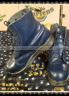 d433b59a1b0 Dr Martens safety Vintage Uk5 Eu38 Made In England coquée acier cuir lisse  blue navy modèle