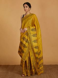 Explore the beautiful range of hand printed sarees at the loom and add colour and ethnicity to your wardrobe Indian Silk Sarees, Tussar Silk Saree, Soft Silk Sarees, Block Print Saree, Indian Block Print, Block Prints, Printed Kurti Designs, Printed Sarees, Jack Rogers