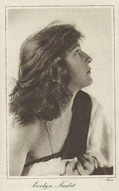 Evelyn Nesbit portrait postcard