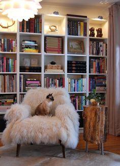 end table/armchair/shelves