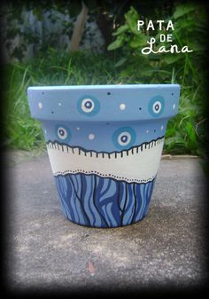 Flower Pot Art, Flower Pot Design, Clay Flower Pots, Painted Clay Pots, Painted Flower Pots, Hand Painted Ceramics, Ceramic Pots, Terracotta Pots, Pottery Painting