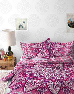 Fuchsia Blooming Flower Mandala Tapestry / Mandala Wall Hanging / Mand – VIVI & SAM