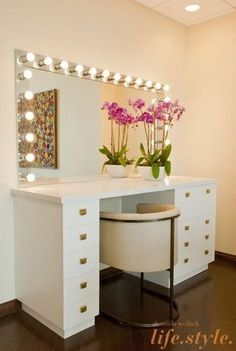 One look at the dreamy, slightly retro vanity in Chelsea Handler's office, and you don't have to guess why it was such a hit.                   Source: Shannon Wollack