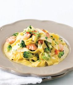 Carbonara s lososem / Salmon carbonara. Fish And Seafood, Potato Salad, Macaroni And Cheese, Salmon, Food And Drink, Lunch, Cooking, Ethnic Recipes, Fitness