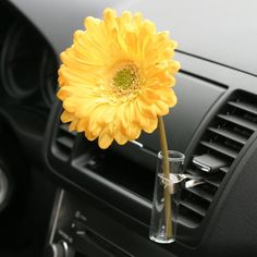 VW Bug Flower Vase Yellow Daisy Auto Vase for any Car