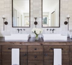 Modern farmhouse bathroom vanity ideas rustic modern bathroom vanity rustic modern bathroom vanities home interior design Rustic Bathroom Vanities, Modern Farmhouse Bathroom, Bathroom Renos, Small Bathroom, Rustic Vanity, Bathroom Remodeling, Bathroom Storage, Basement Bathroom, Bathroom Fixtures