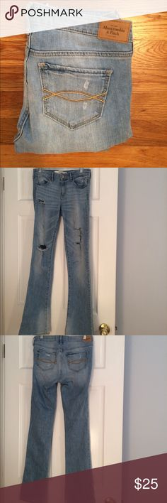 Abercrombie and Fitch Jeans Light wash boot cute jeans Abercrombie & Fitch Jeans Boot Cut