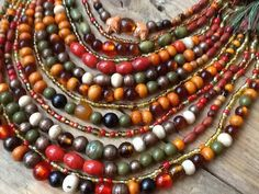 Ukrainian folk beeds Ethnic Jewelry, Beaded Jewelry, Coral, Diy Necklace, Necklaces, Historical Clothing, Lampwork Beads, Jewelry Crafts, Jewerly