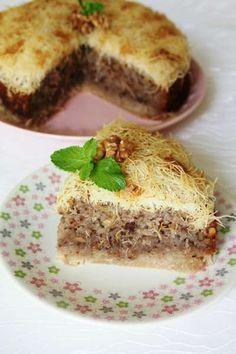 kadayıf kek Homemade Desserts, Pinterest Recipes, Pinterest Food, Turkish Recipes, Some Recipe, Cupcake Cookies, Cookie Recipes, Food And Drink, Yummy Food