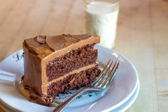 Kalona SuperNatural: Chocolate Cake with Chocolate Mascarpone Frosting