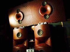 Mono and Stereo High-End Audio Magazine: Tatsuyoshi Moriyama horn based speakers