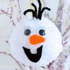 25 Delightful Pom Pom Crafts For Kids Where play and imagination Delightful Pom Pom Crafts For KidsCrafty kids will love spinning yarn with these fuzzy crafts! Yarn Animals, Pom Pom Animals, Olaf, Pom Pom Flowers, Pom Pom Rug, Frozen Ornaments, Hobbies For Kids, How To Make A Pom Pom, Pom Pom Crafts