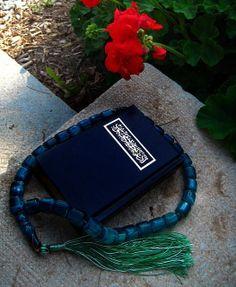 Baha'i prayer book