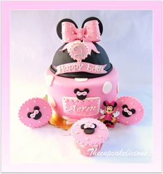 Minnie mouse Cake / Cupcakes