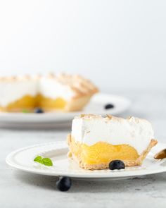June is Lemon Meringue Pie Day. This zingy creation needs a come back - Get your zest on with this delicious lemon meringue pie recipe. Vegan Lemon Meringue Pie Recipe, Best Lemon Cake Recipe, Mini Lemon Meringue Pies, Lemon Meringue Cheesecake, Lemon Custard, Meringue Cake, Vegan Pie, Cheesecake Recipes, Pie Recipes