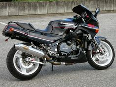 Mercenary+Garage+Dublin+Ireland+Custom+Motorcycle+Workshop+Kawasaki+GPZ+1000+RX+Custom+Japan.jpg (640×480)