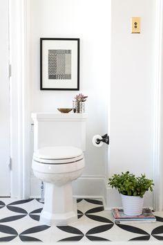 One Bathroom, Three Styles: 80s Bohemian Dream