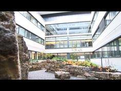 """""""Sicherheit hat bei uns absolute Priorität"""", erzählt uns Frau Riedel-Motz in einem kurzen Interview. Sie ist die Leiterin Hauswirtschaft im Schwarzwald-Baar Klinikum in Villingen-Schwenningen."""