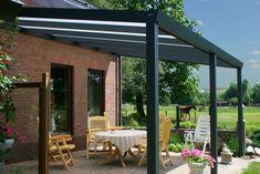 Terrassenüberdachung bauen ideen Holz-geschützter Sitzplatz-im Freienrten