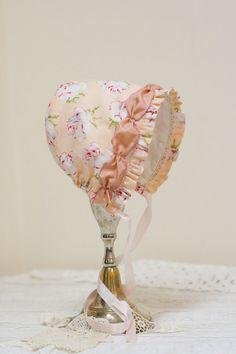 Baby bonnet in Vintage-Roses -- Sun bonnet. Easter bonnet. infant  photo prop. baby hat. prairie bonnet. baby girl shower gift . pink bonnet
