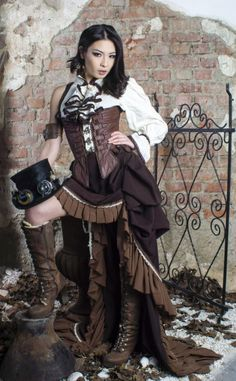 Steam up your Halloween with these steampunk costume ideas for women and men. You can either play it safe and pick a complete costume like our favorites below, Chat Steampunk, Mode Steampunk, Style Steampunk, Steampunk Couture, Steampunk Corset, Steampunk Cosplay, Steampunk Design, Steampunk Clothing, Cyberpunk