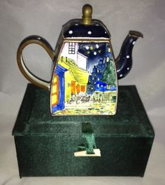 Nivag Collectables: Charlotte dI Vita - : Trade Aid Plus Cafe Teapot - 1827