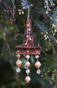 DIY Vintage Hinge & Jewelry Christmas OrnamentsTutorial